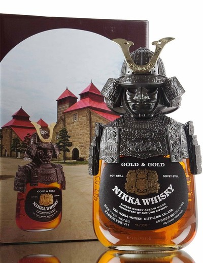 Nikka samurai whisky gold n gold bottle with box