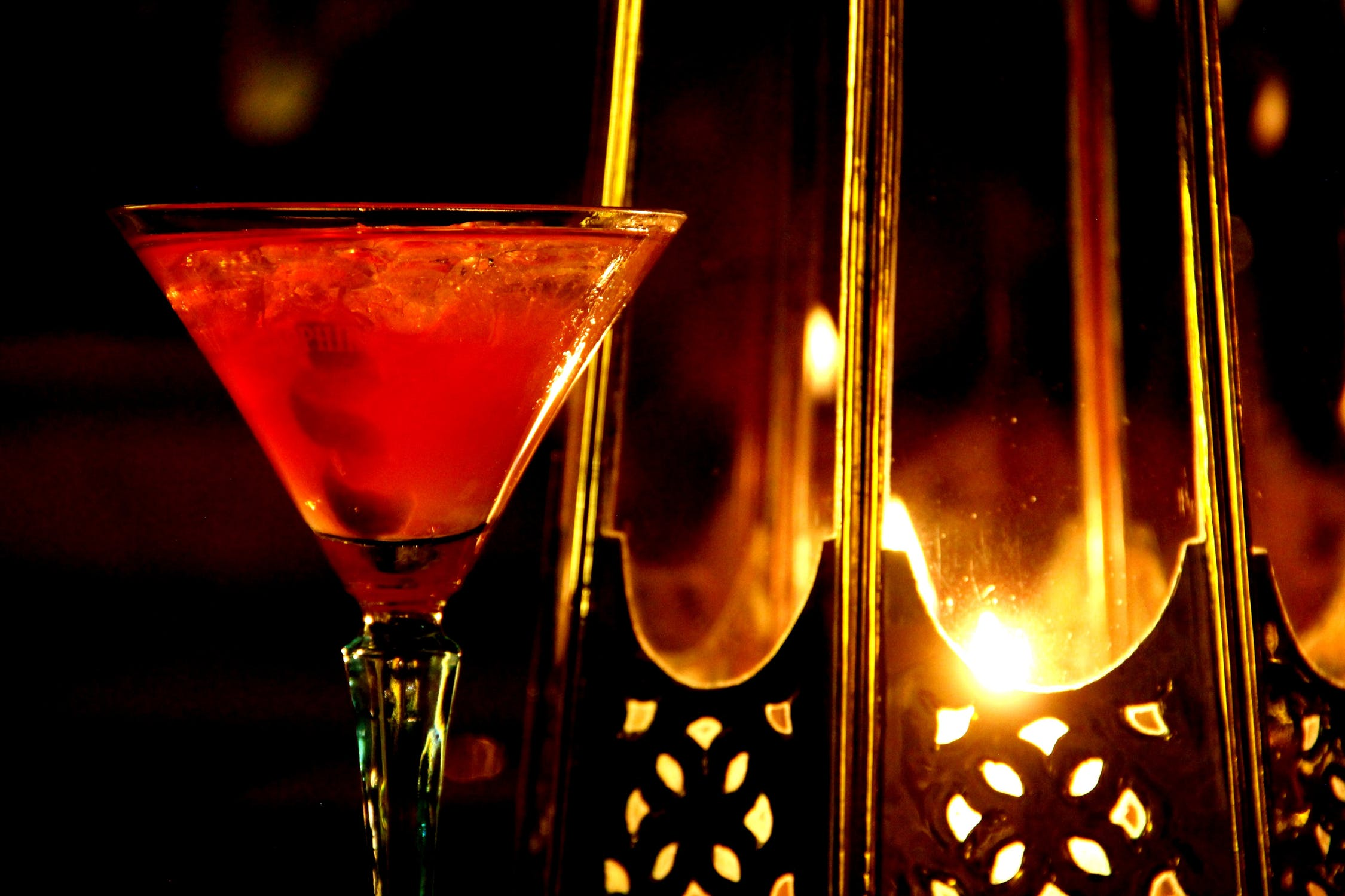 cosmopolitan-in-cocktail-glass